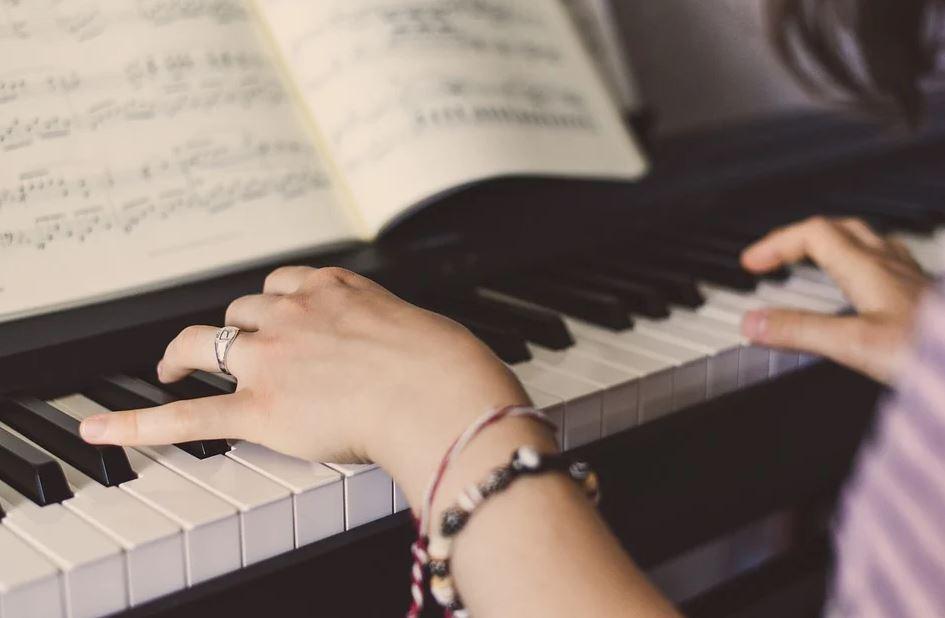 cours de piano gratuit en ligne